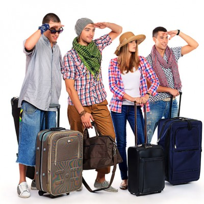 people-with-luggage-400x400
